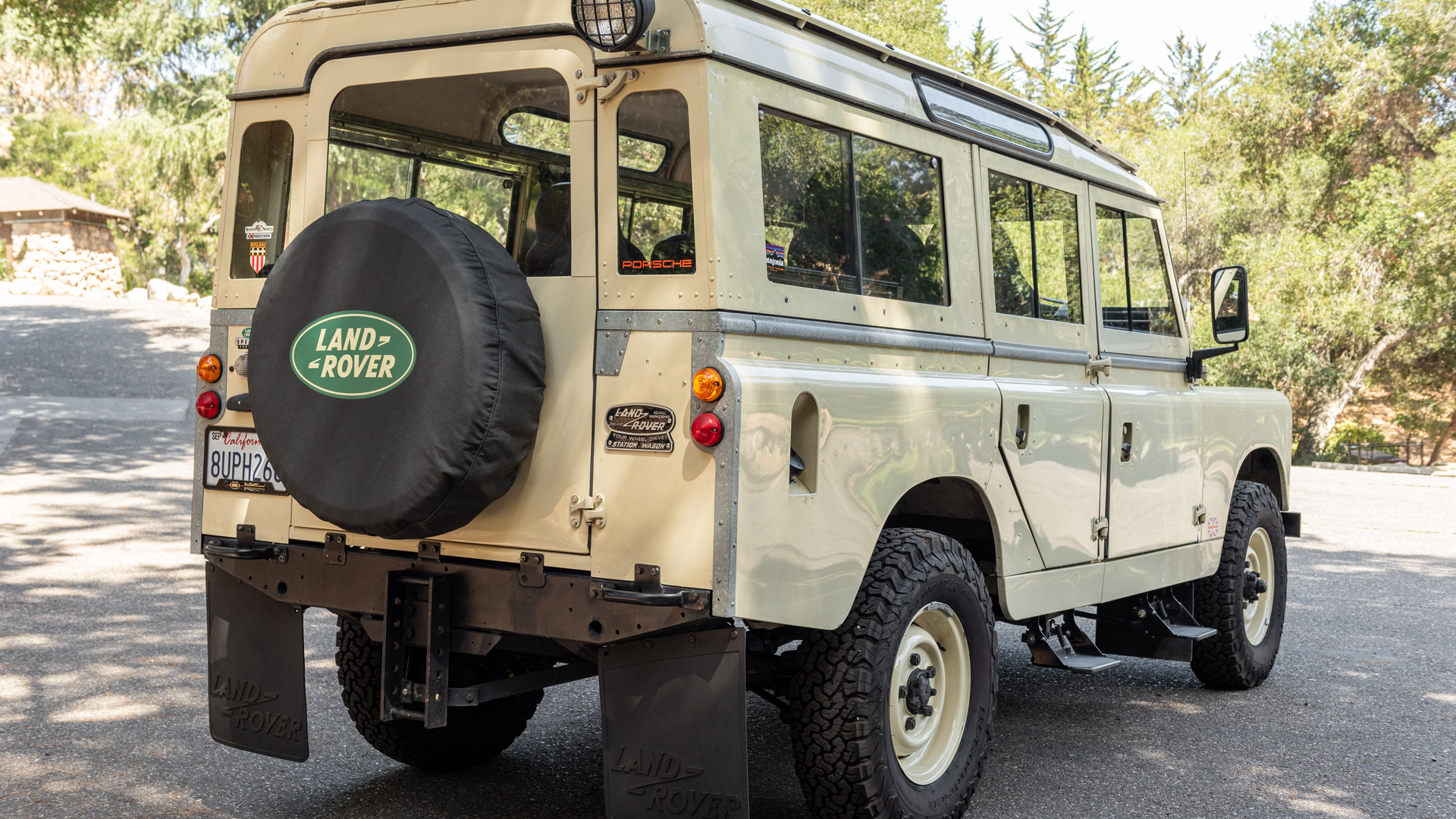 Modified 1964 Land Rover 109 Photo 2